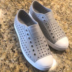 Native Slip On Sneaker | Jefferson | Pigeon Gray